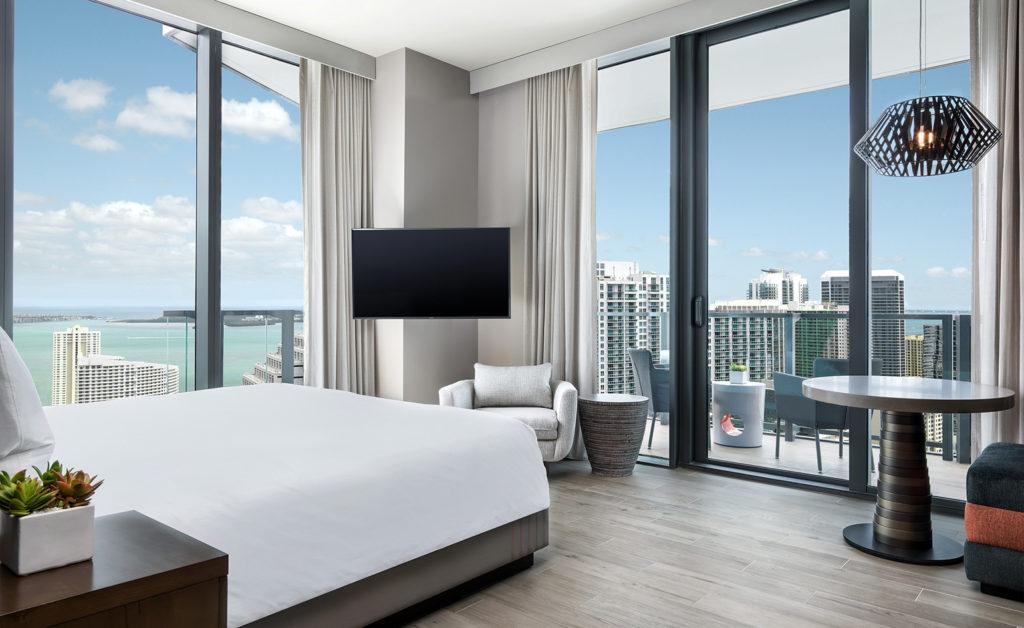 High-Tech. Miami.