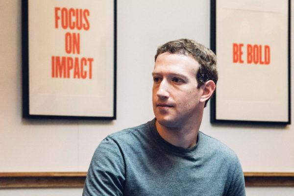 Facebook e PROTESTE