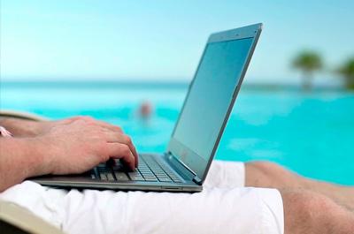 Escritorio na praia
